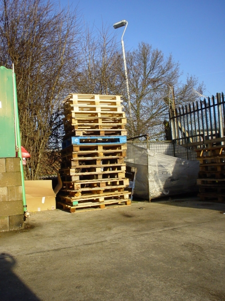 Timber pallet recycling