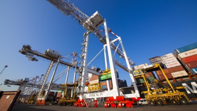 Port of Melbourne lease cautiously welcomed