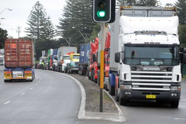 Container-trucks-lined-up-at-Port-Botany-ABC
