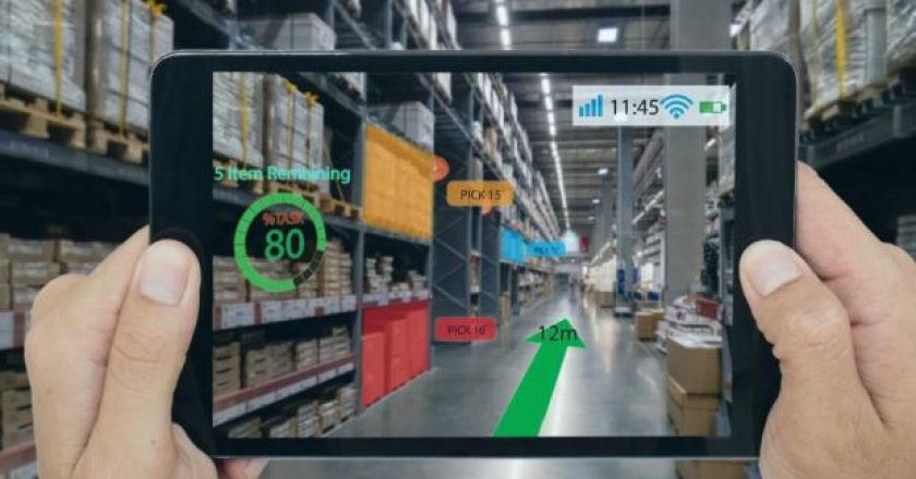 Augmented-reality-in-a-warehouse