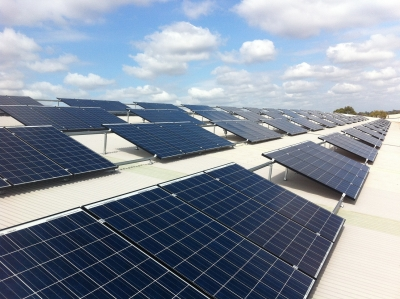 Solar power saves for logistics company from day one