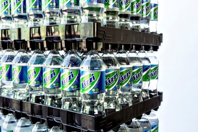 Returnable beverage tray
