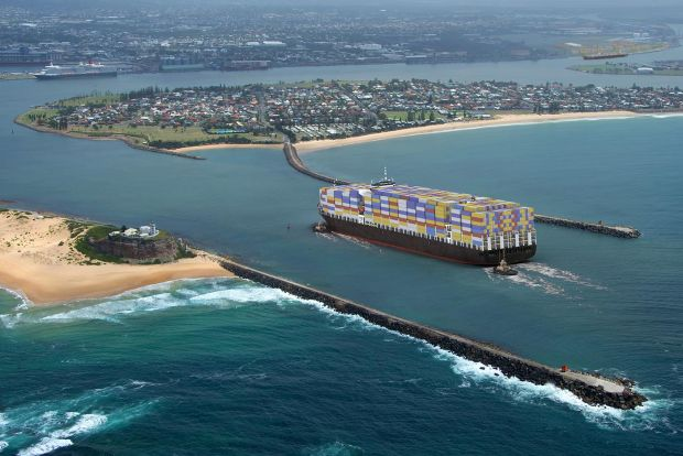Container-vessel-entering-Port-of-Newcastle-freight-politics