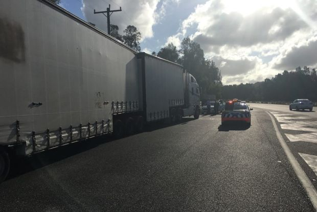b-double-truck stopped by police truck laws